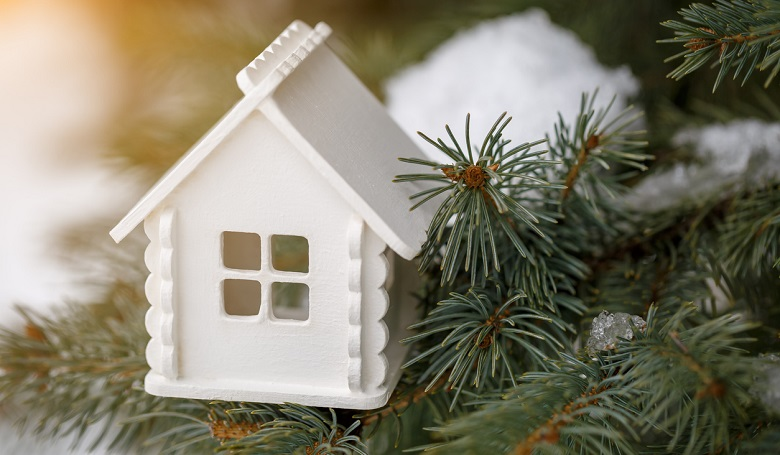 6 Tips to Help You Sell a Home During the Holidays