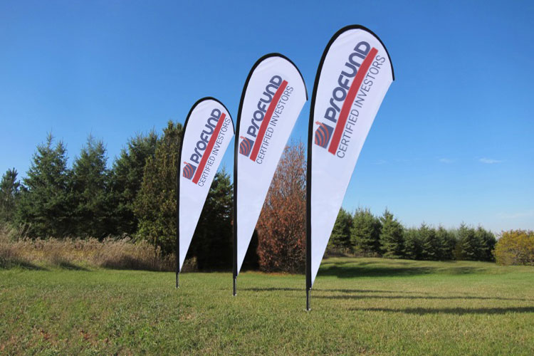 Using Teardrop Promotional Flags and Flags For Effective Promotions