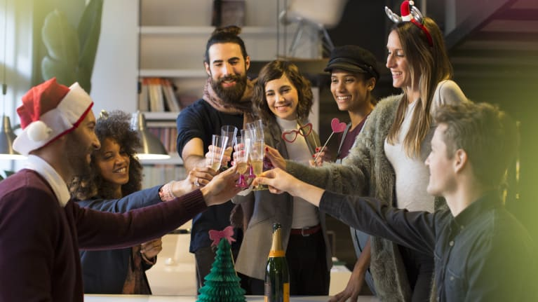Tips for hosting a holiday party for your company employees
