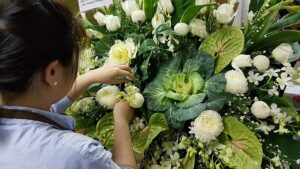 Common Funeral Flower Types and Colors