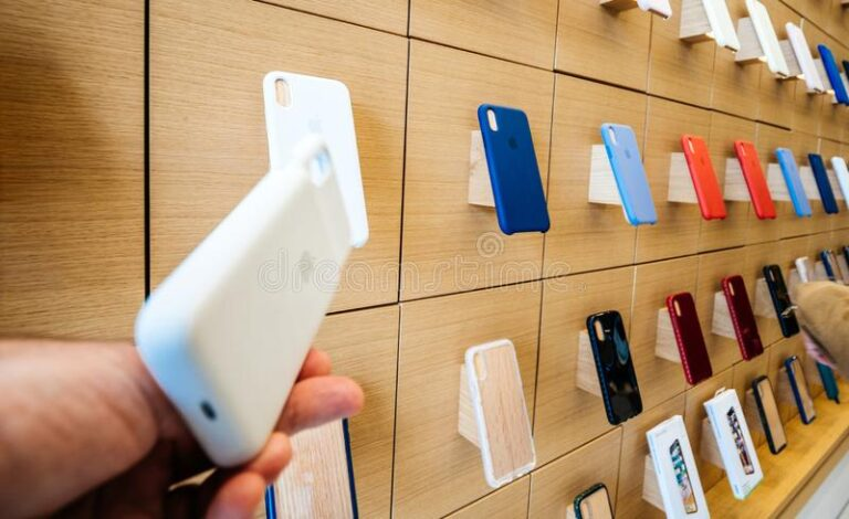 Top 3 Apple iPhone accessories for 2021